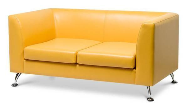 Перетяжка двухместного дивана